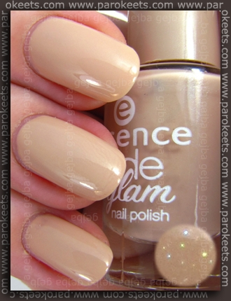 Essence_Nude_Glam_Toffee_To_Go_parokeets